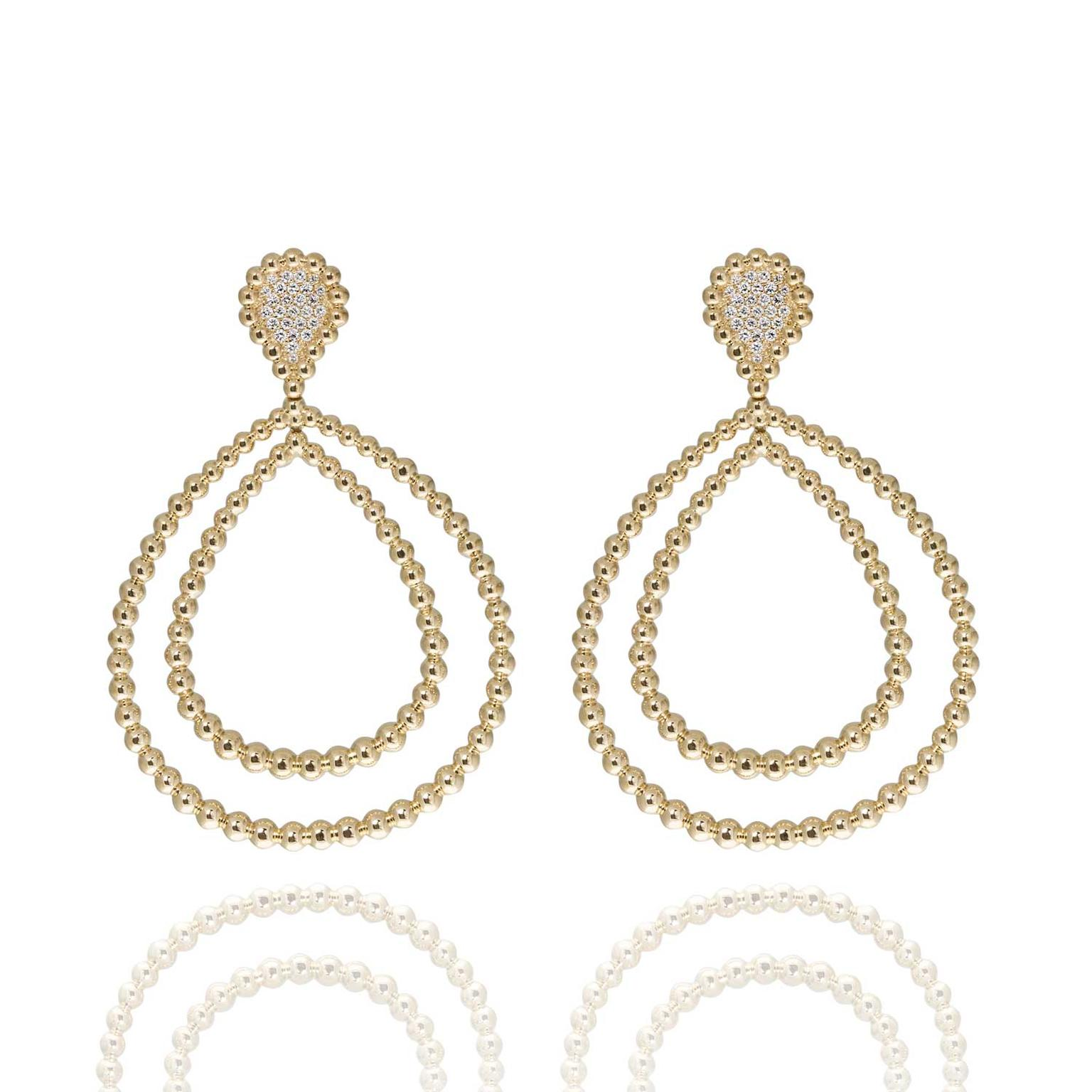 Carla Amorim Guava earrings in yellow gold.