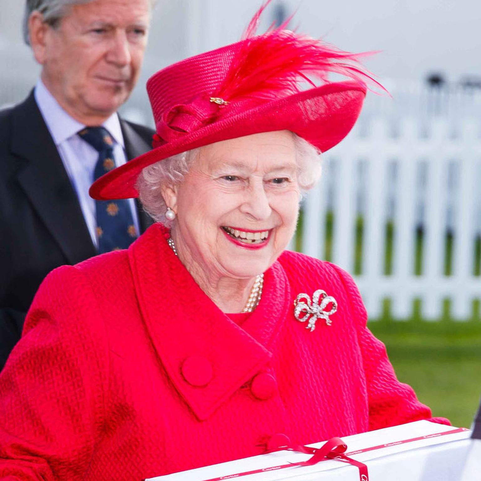The Queen wearing Queen Victoria's bow brooch