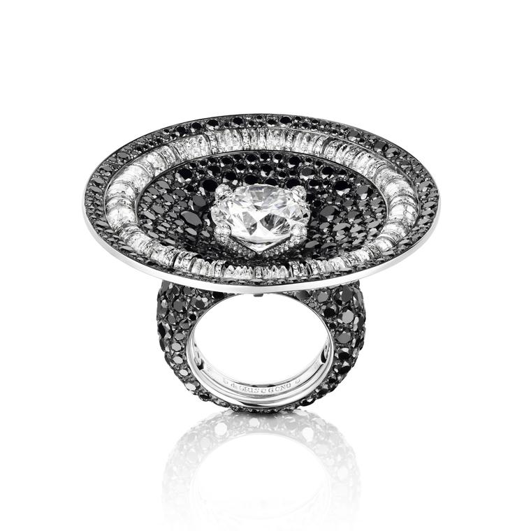 De GRISOGONO black and white diamond cocktail ring
