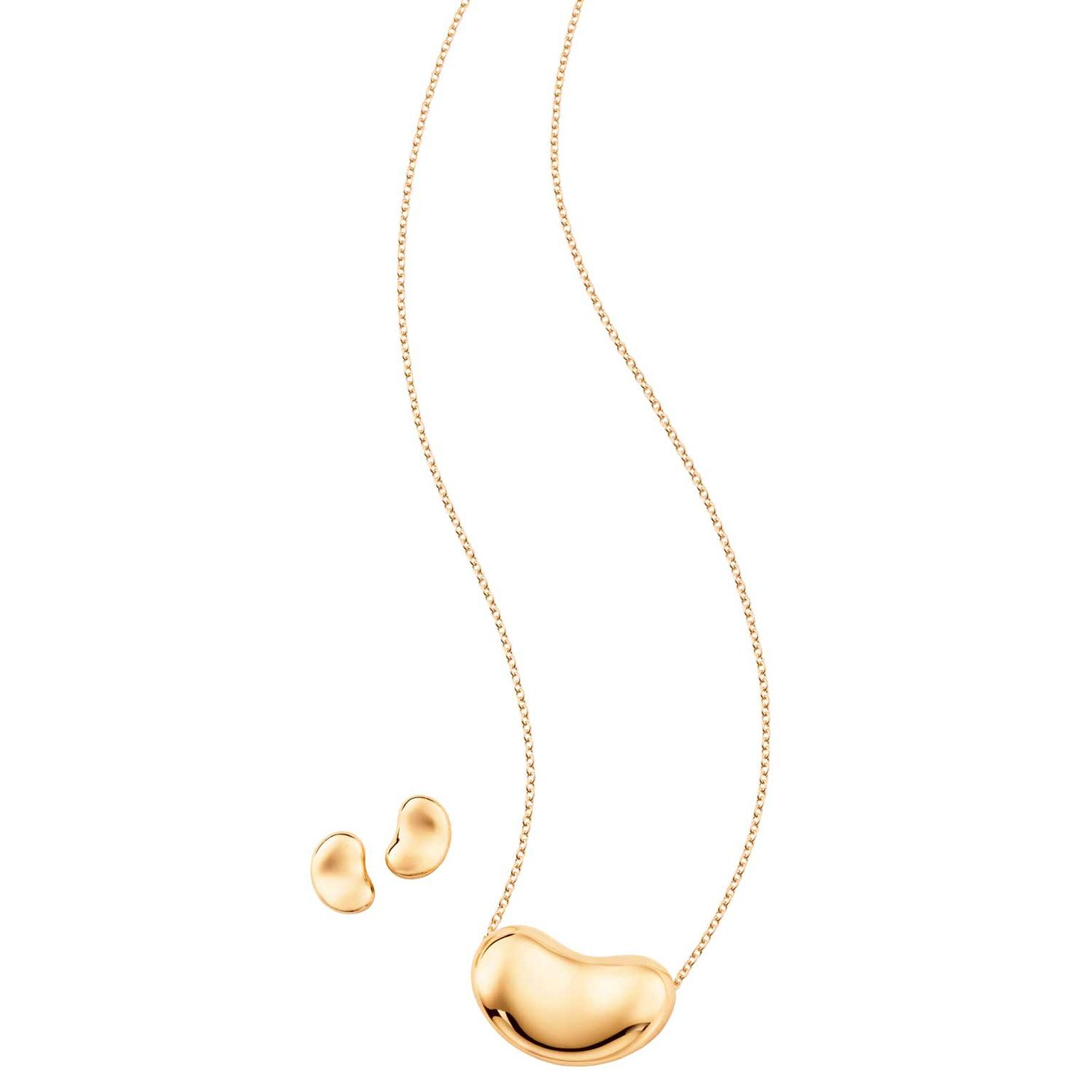 Elsa Peretti Bean pendant and earrings in gold