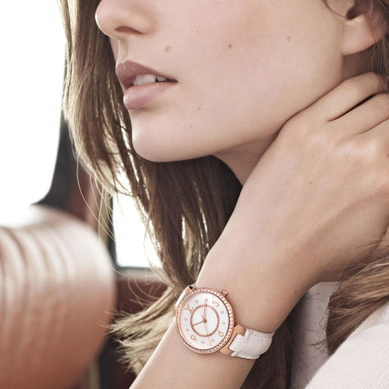 Louis Vuitton Tambour Monogram watch in rose gold with diamonds. © LOUIS VUITTON. Auteur: KARIM SADLI.