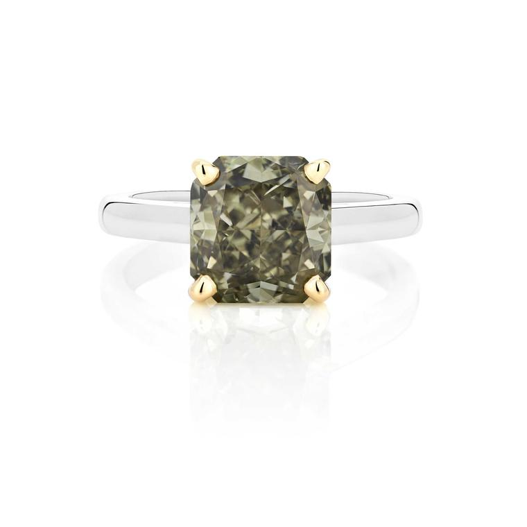 De Beers Master Diamonds greyish green ring