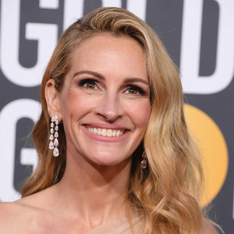 Julia Roberts Golden Globes Chopard diamonds 2019 close up