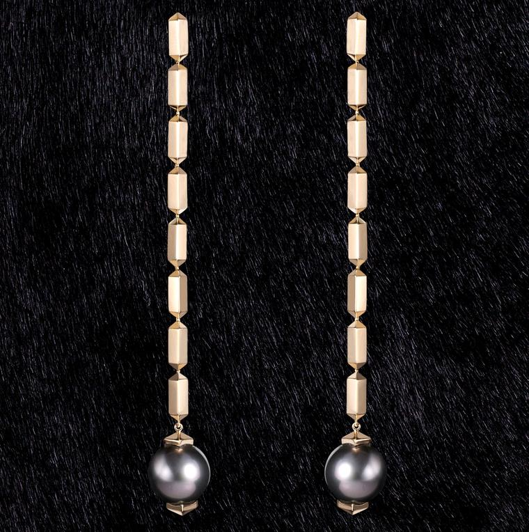 Nicholas Lieou yellow gold and Tahitian pearl earrings