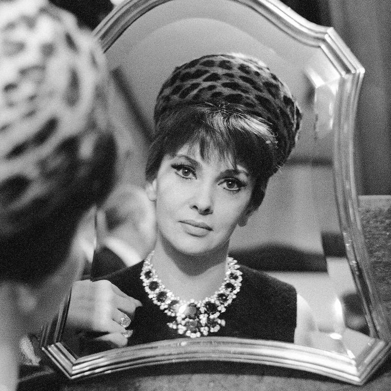 Gina Lollobrigida wearing Bulgari jewellery