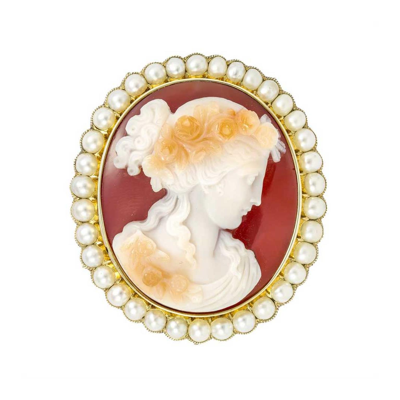 Bentley & Skinner Victorian cameo brooch