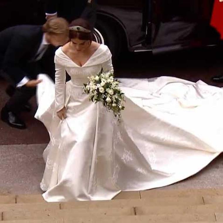 Princess Eugenie wedding steps Windsor