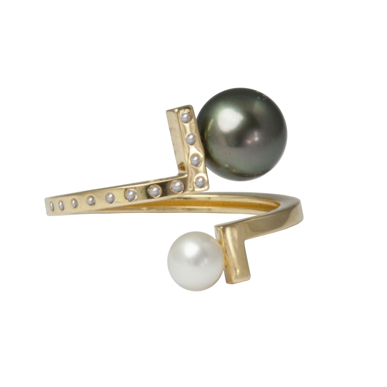 Kattri ring with diamond studded 18ct yellow gold band with a black Tahitian pearl and a white Akoya pearl