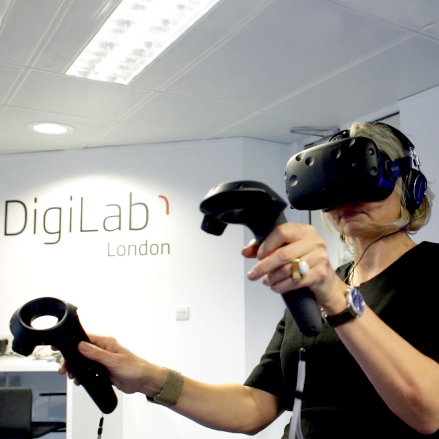 Maria wearing Virtual Reality headset