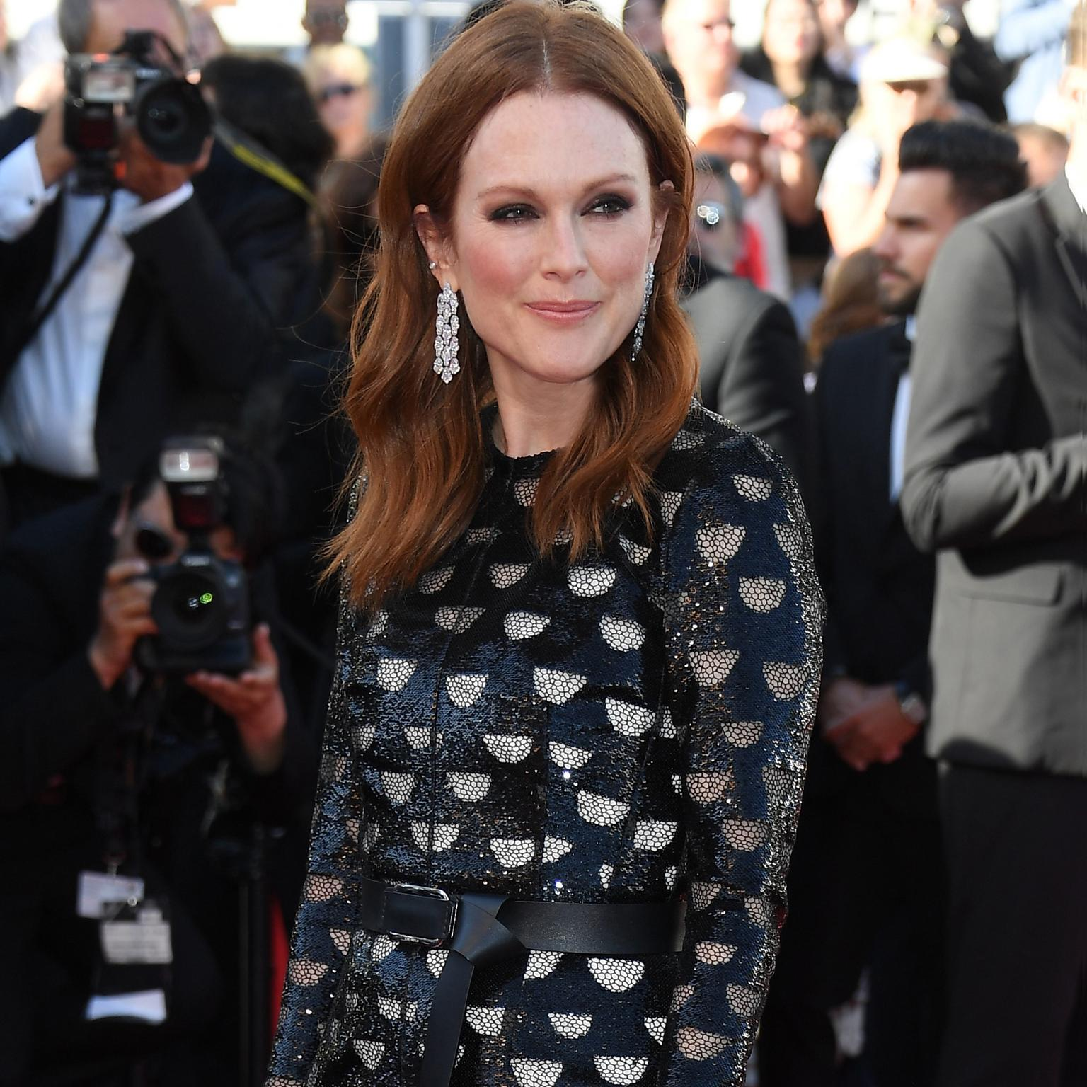 Julianne Moore Chopard earrings Cannes 2017