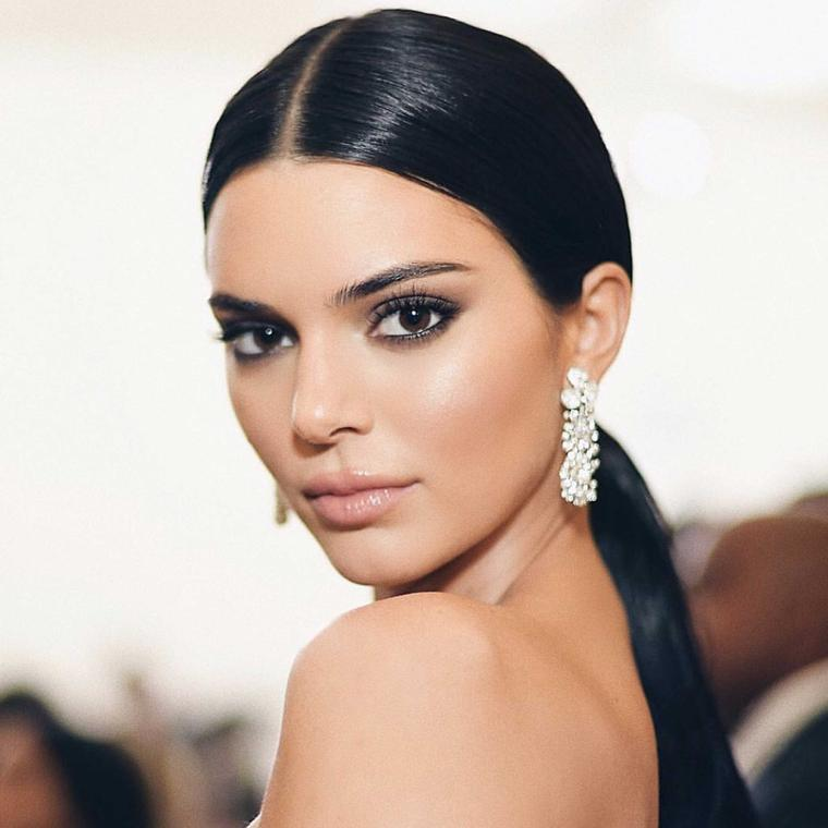 Kendall Jenner wore three Tiffany T white gold and diamond rings to the Met Gala 2018