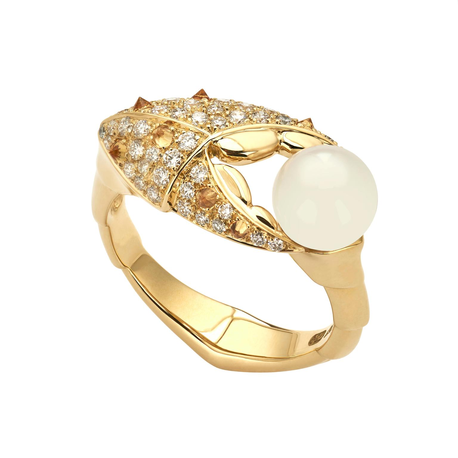 Stephen Webster Crab Pincer pearl ring