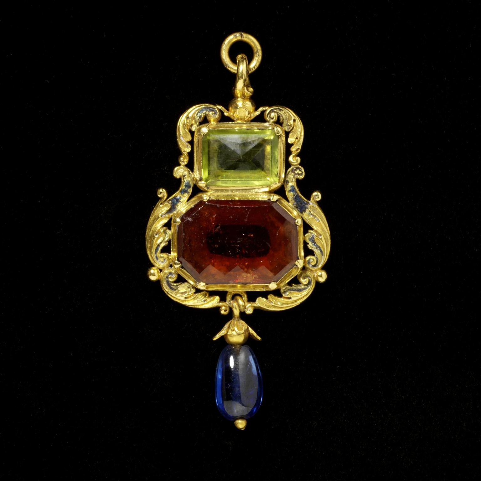 V&A Museum hessonite, garnet, peridot and sapphire pendant