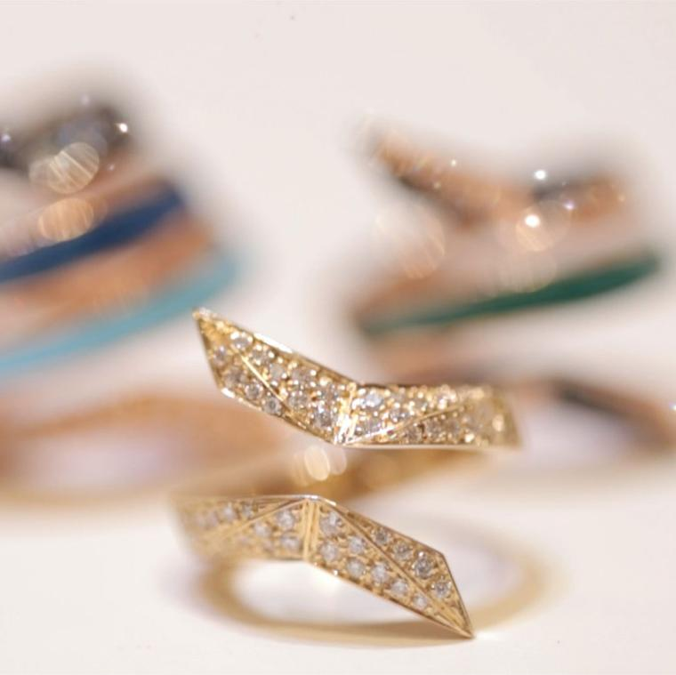 Octium Twist Collection gold diamond ring