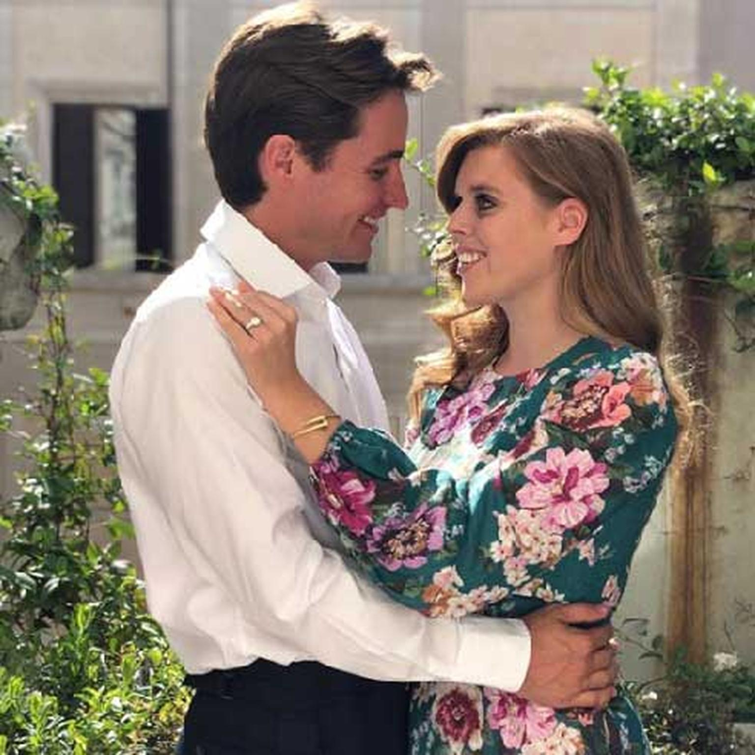 Princess Beatrice and Edoardo Mapelli Mozzi reveal engagement ring