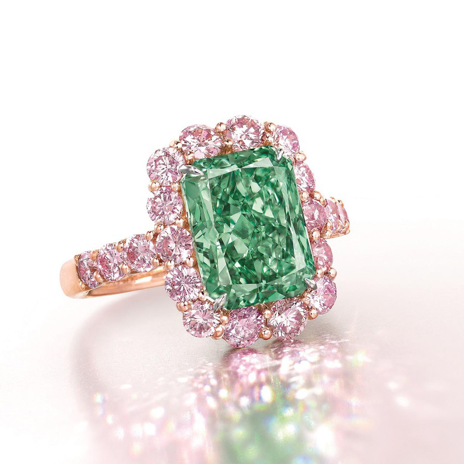 Fancy Vivid Aurora Green diamond