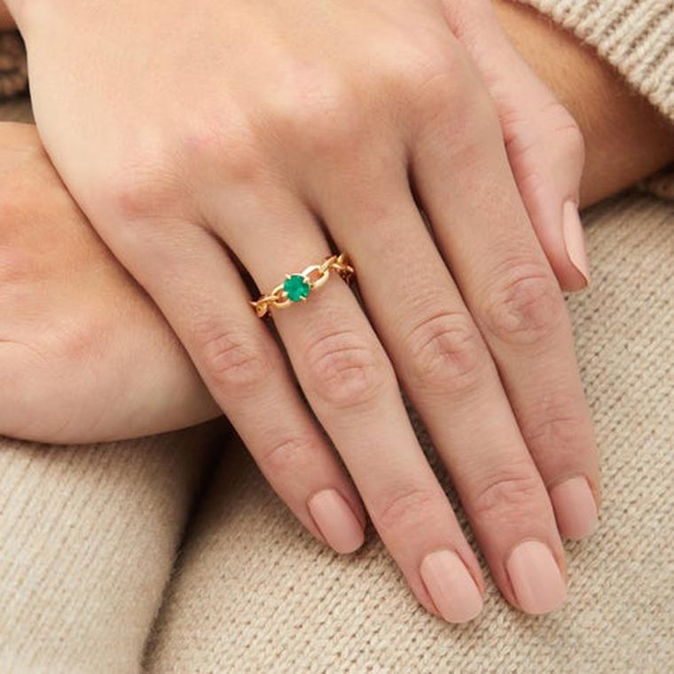 Lizzie Mandler chain ring on model