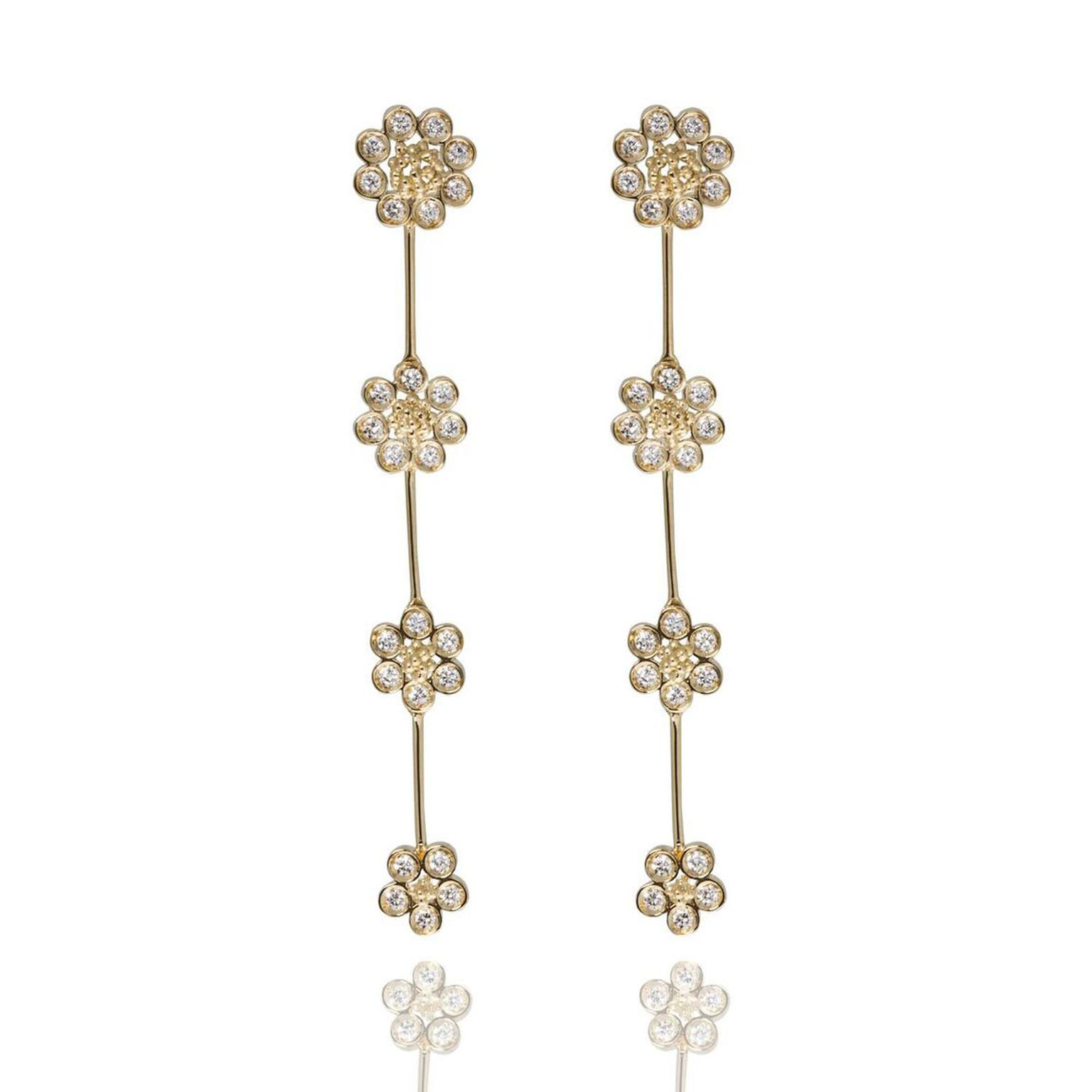 Carla Amorim daisy earrings in yellow gold and diamonds