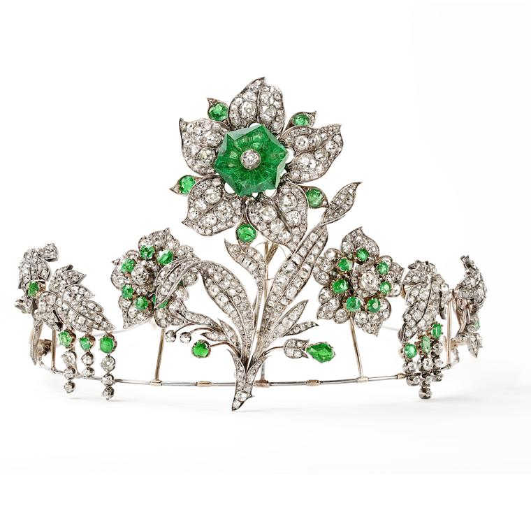 Chaumet transformable tiara