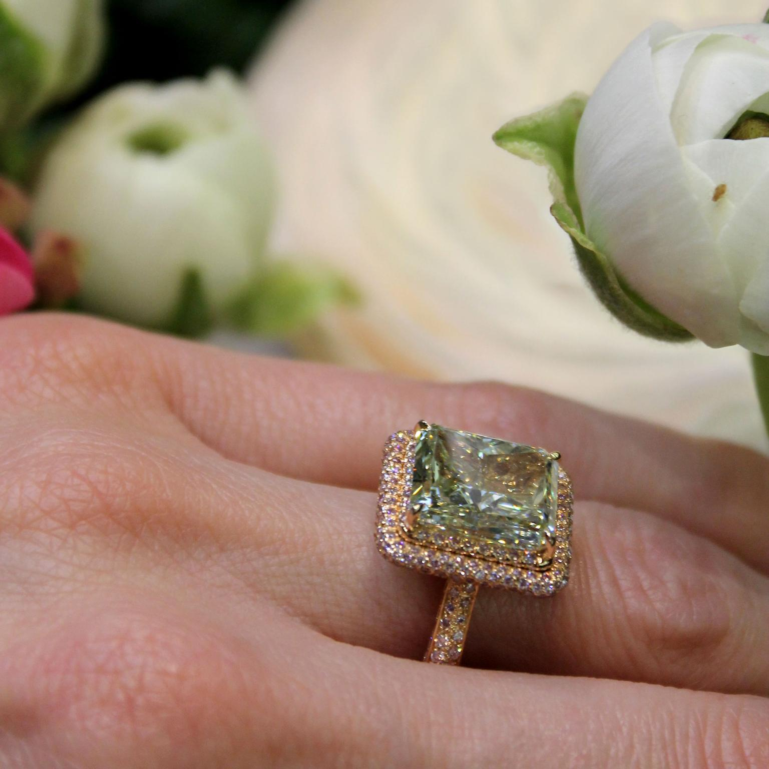Moussaieff 6.51-carat Yellowish Green diamond ring