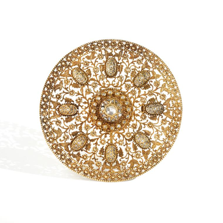 Gold and diamond hair ornament
