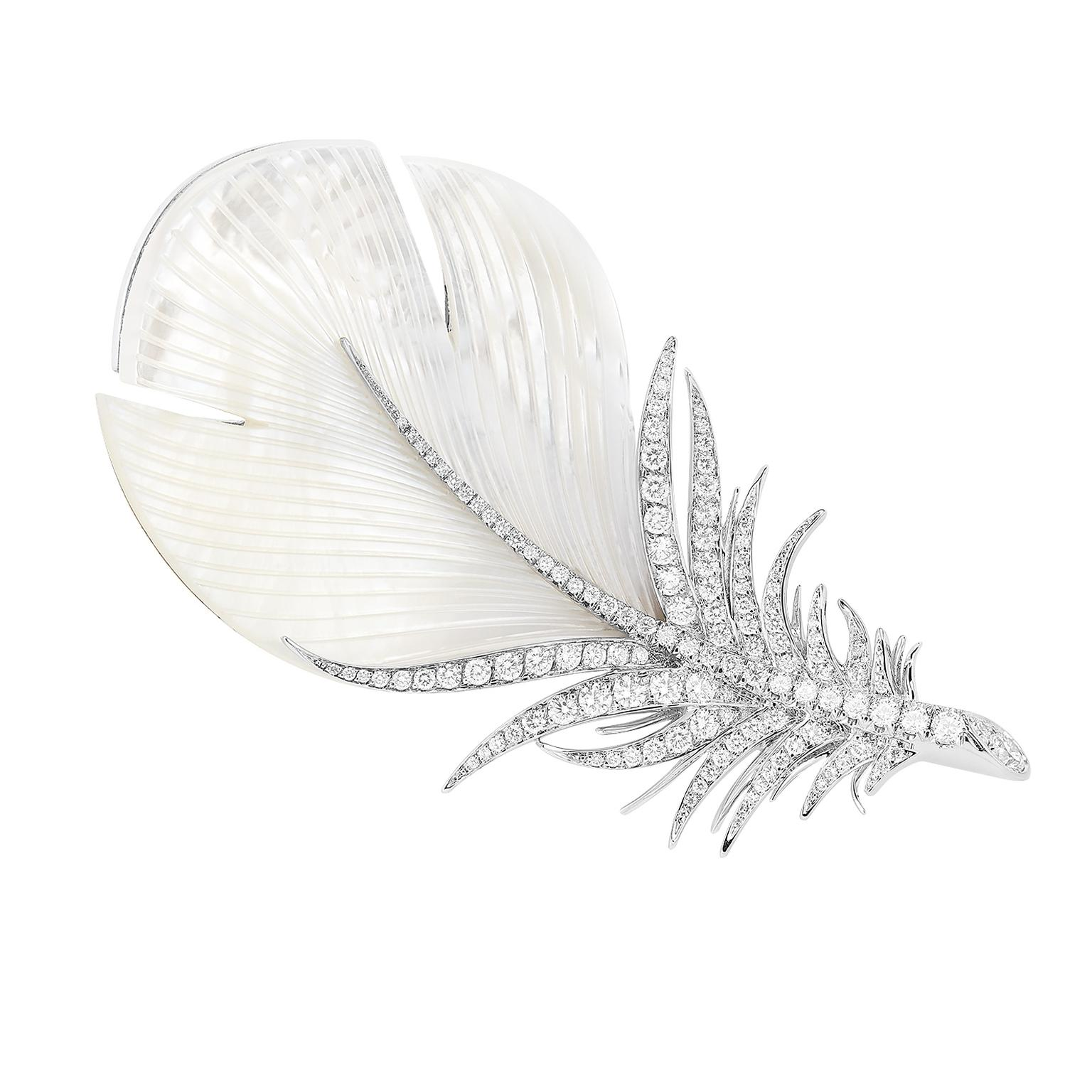 Boucheron Brooch Caresse de Plume - mother-of-pearl, diamonds, white gold copy