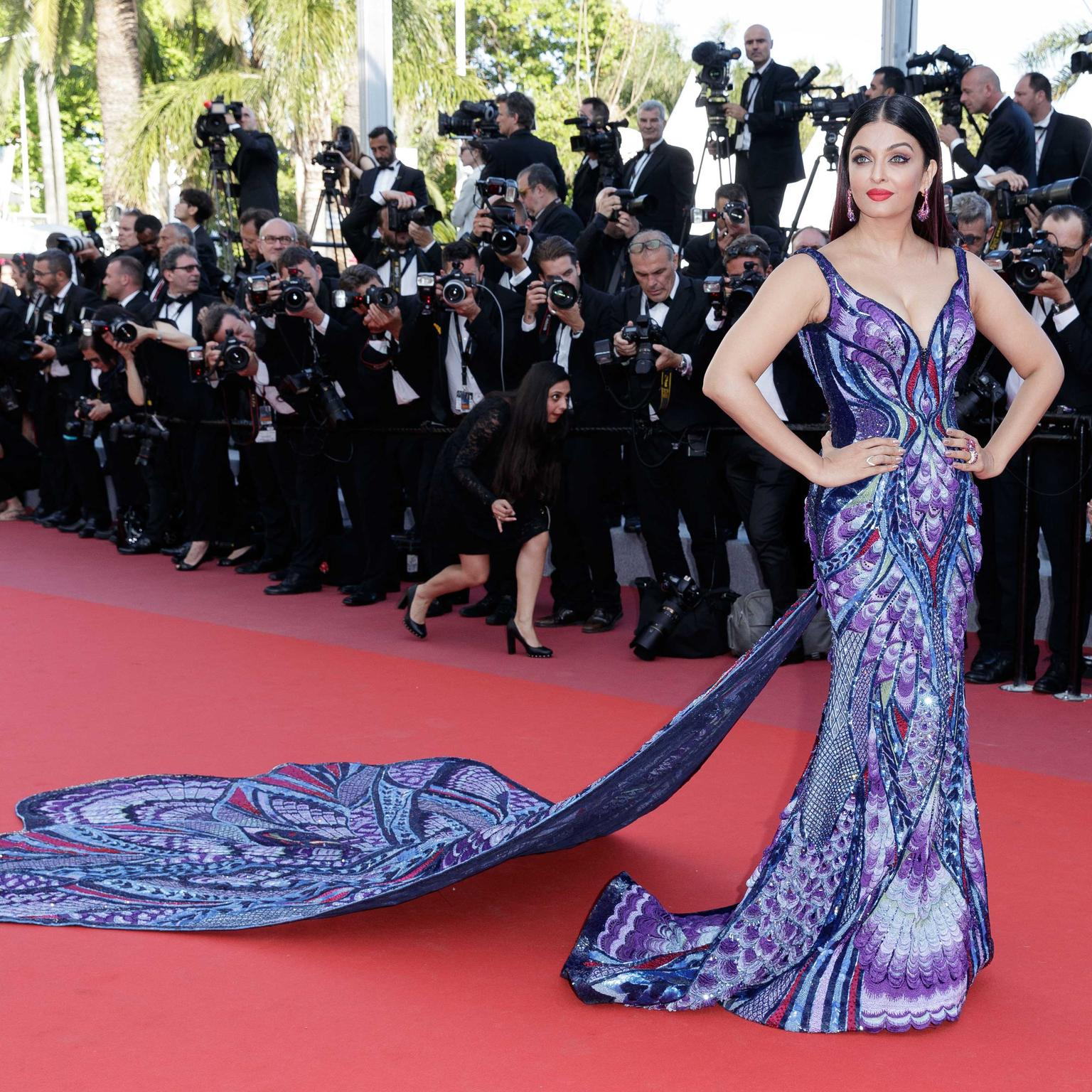 Aishwarya-Rai-on-red-carpet-in-de-GRISOGONO-jewels-at-Cannes-Film-Festival-2018