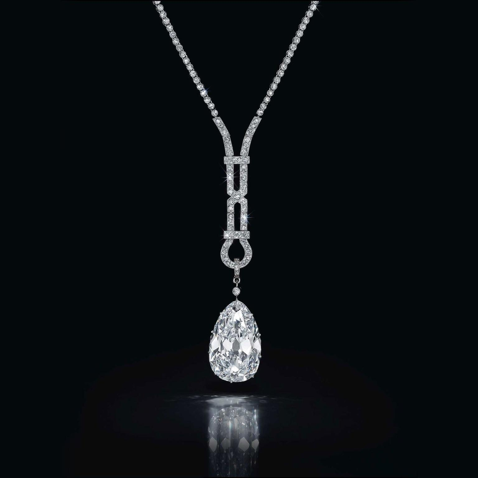 Art Deco pear-shaped diamond pendant necklace