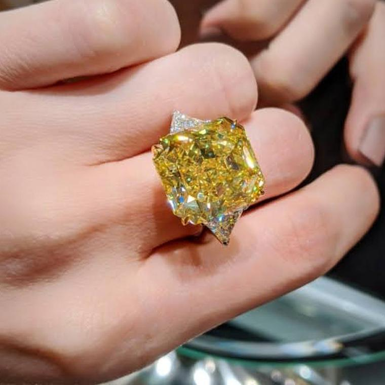 Lot 614: Yellow diamond ring presented at Phillips Live Auction on 8 July 2020