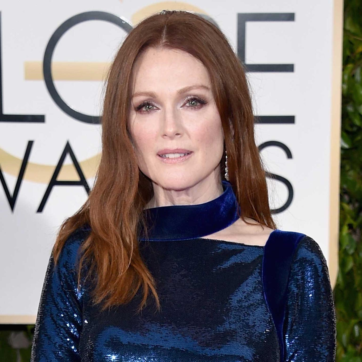 Julianne Moore pulled off another triumph at the Golden Globes 2016 in Chopard jewelry