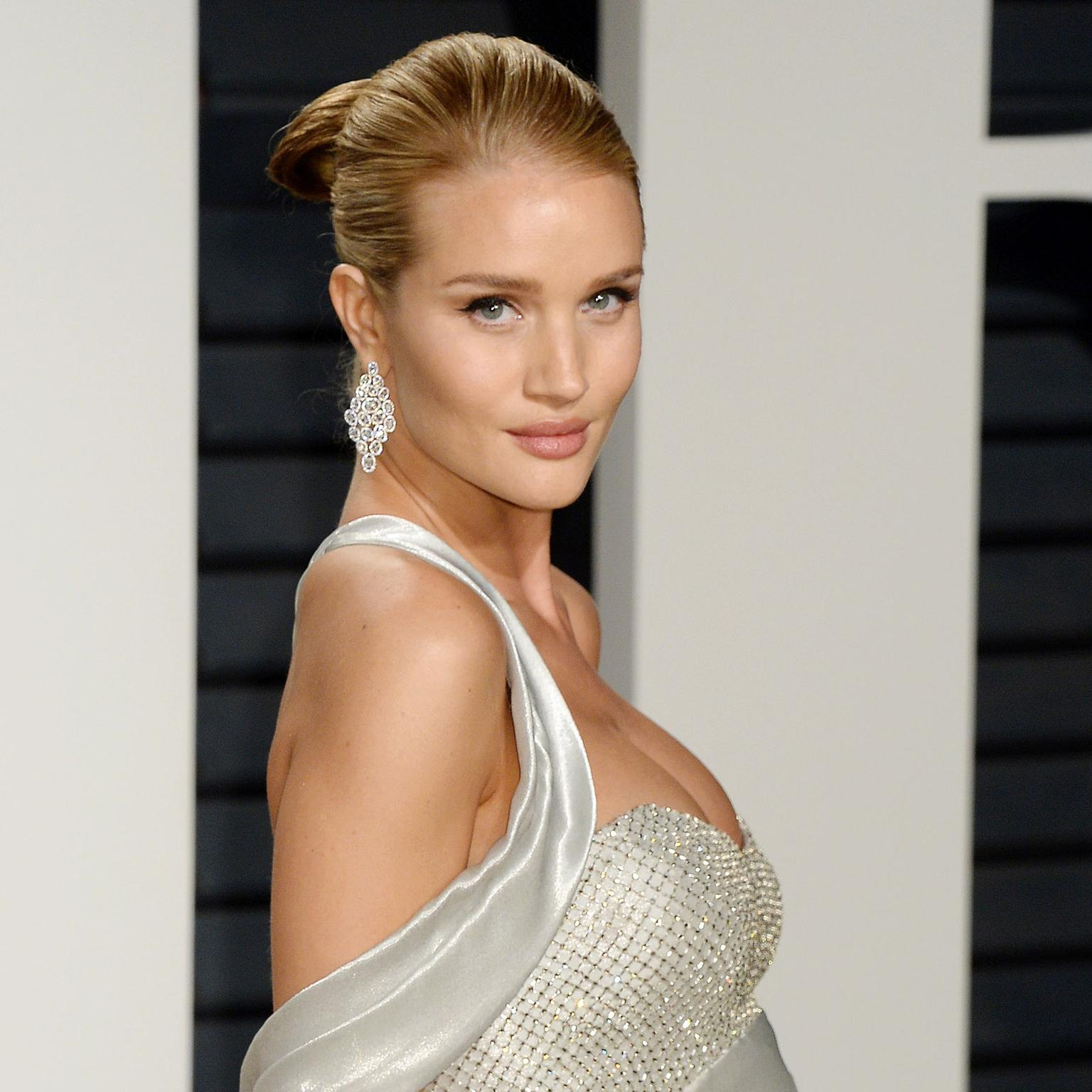 Rosie Huntington-Whiteley in Nirav Modi jewellery at the Vanity Fair Oscar party 2017
