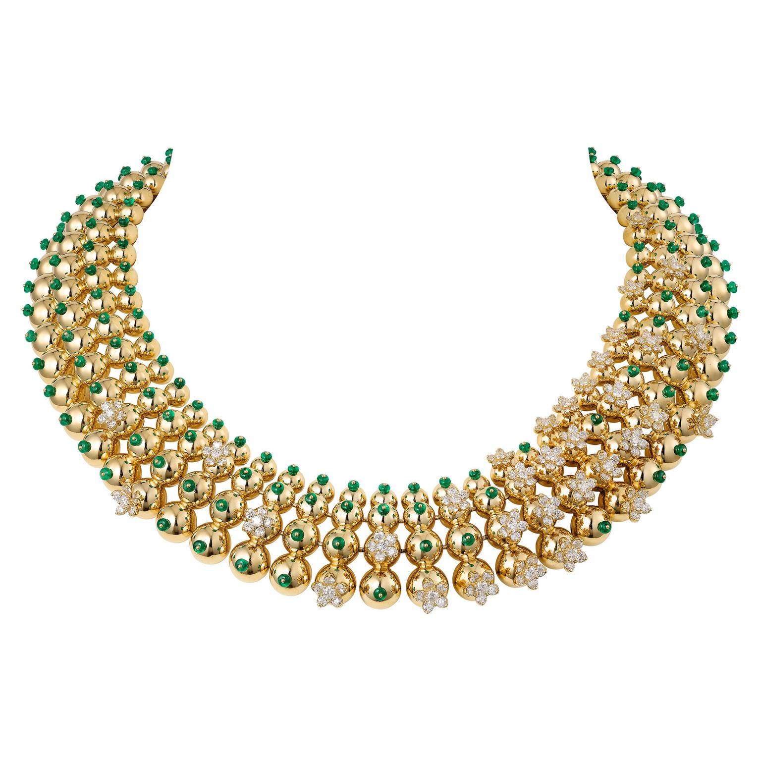 Cactus de Cartier necklace in yellow gold with emerald beads and diamond flowers