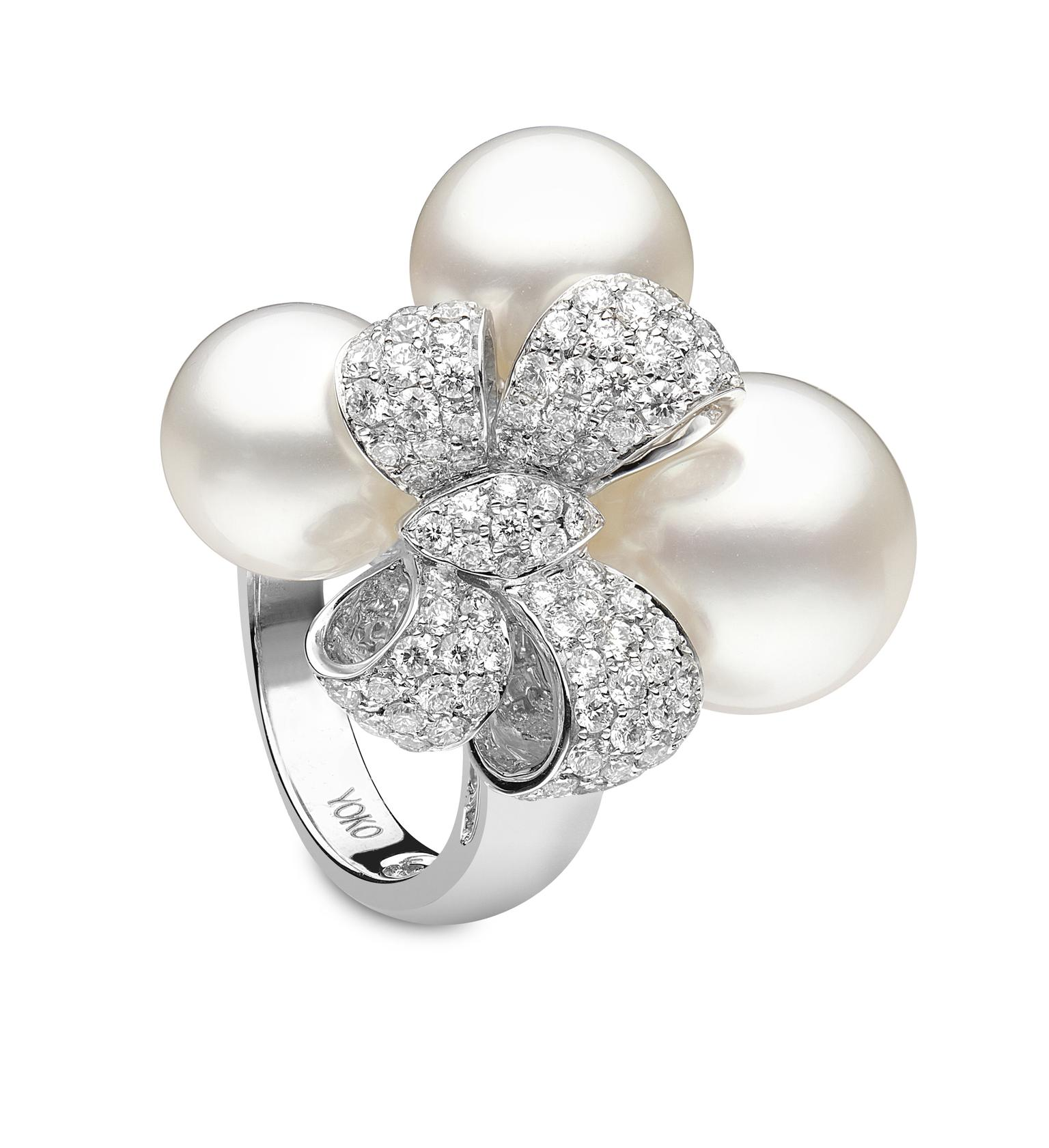 YOKO London pearl bow ring