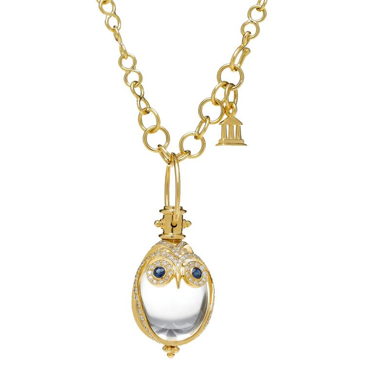 Owl rock crystal amulet in yellow gold