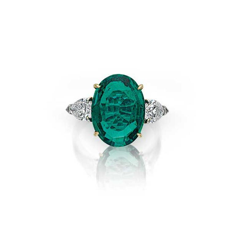 Oval-cut Colombian emerald ring