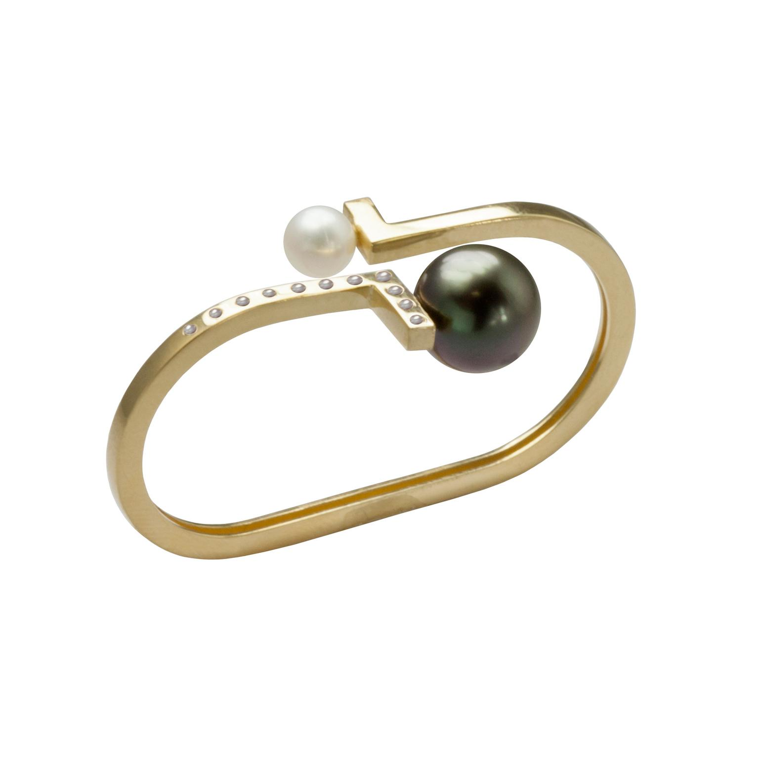 Kattri Double Asymmetry ring with black and white pearls