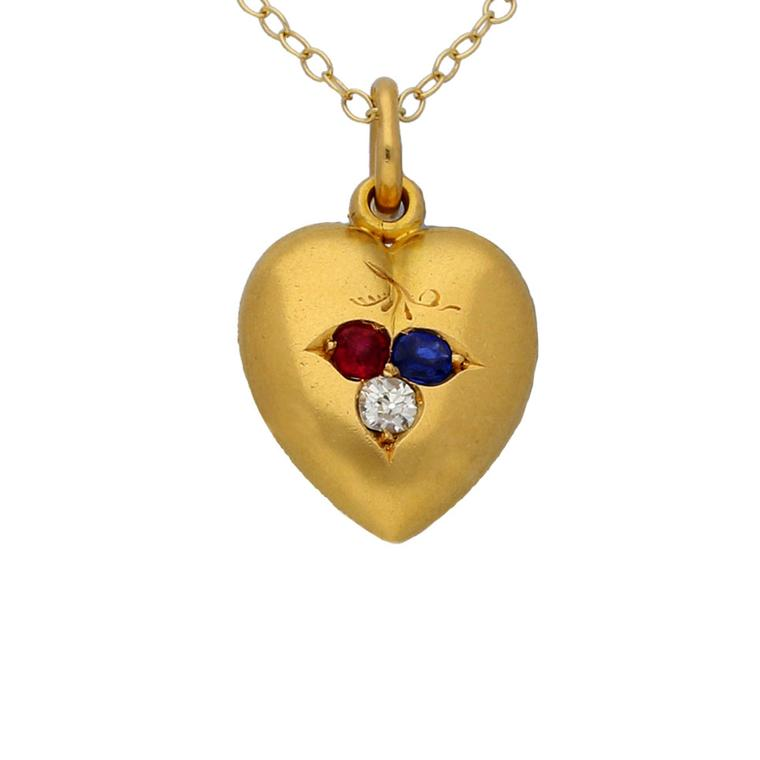 Berganza gold heart-shaped locket