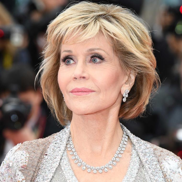 Jane Fonda in Chopard Green Carpet Fairmined gold and diamond necklace