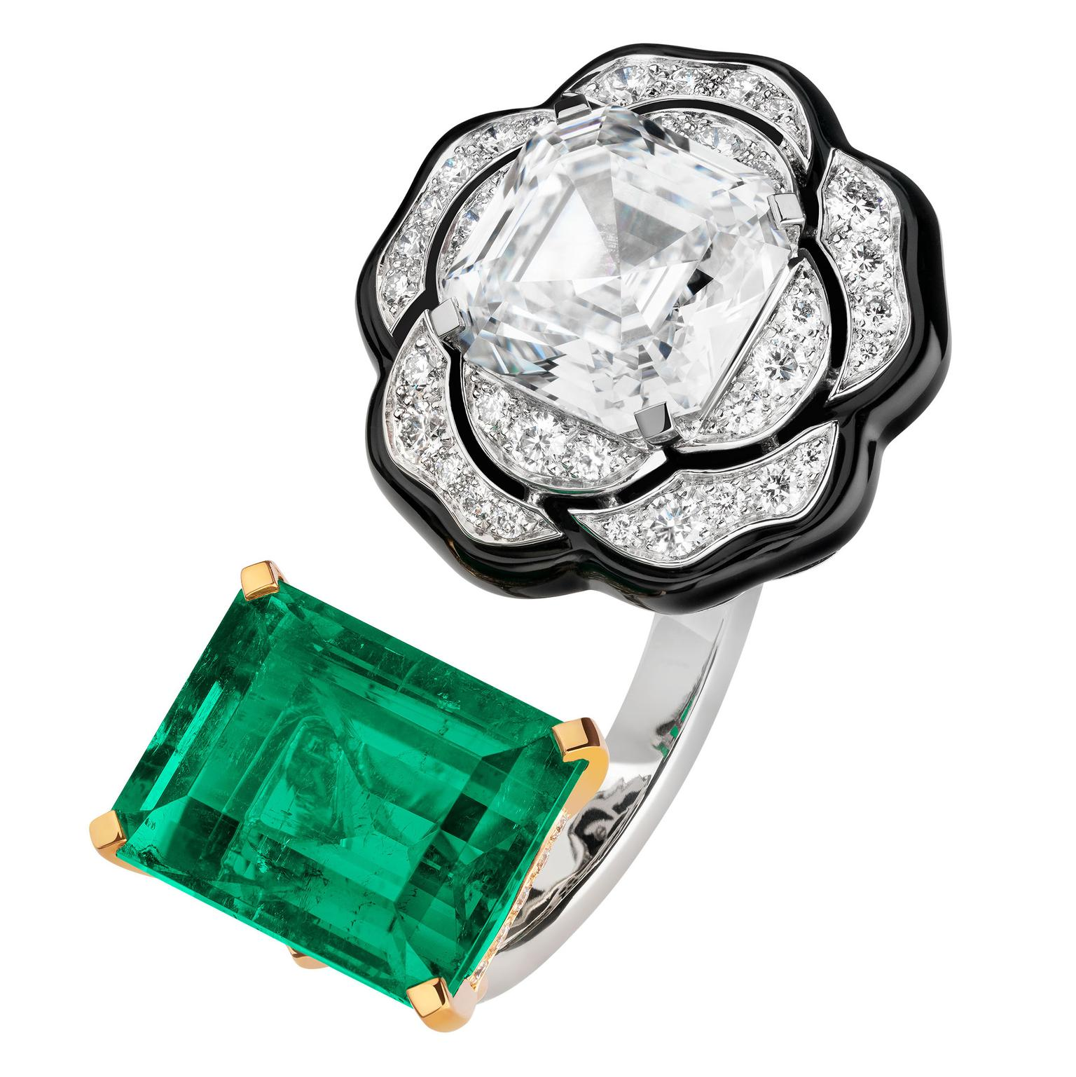 Camélia Baroque ring by Chanel