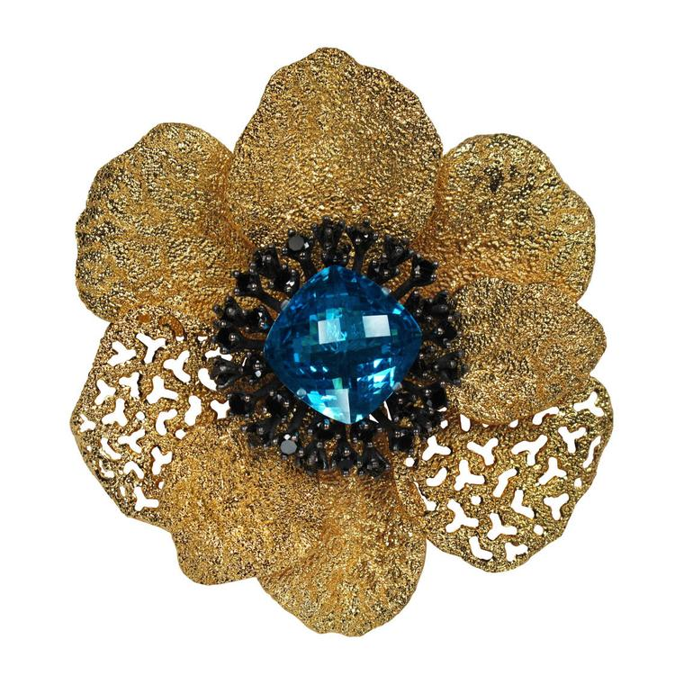 Alex Soldier transformable Coronaria blue topaz ring