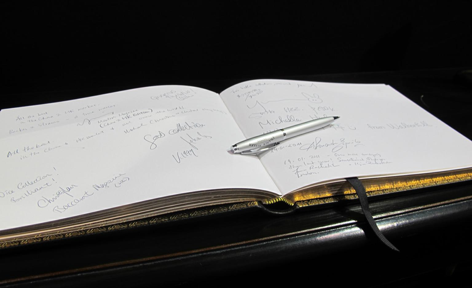 Guest book at Backes & Strauss' salon at the WPHH 2011.