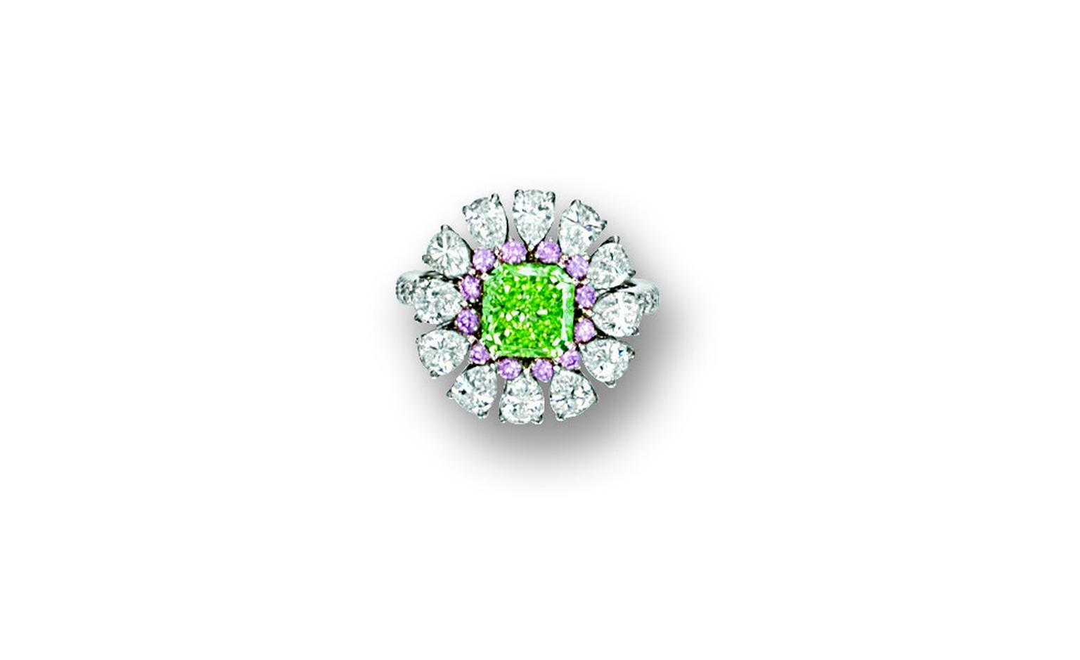 LOT 2840 . Fancy vivid yellowish green diamond, pink diamond and diamond ring, Nirav Modi. EST 2,500,000 - 3,000,000 HKD SOLD 3,740,000 HKD