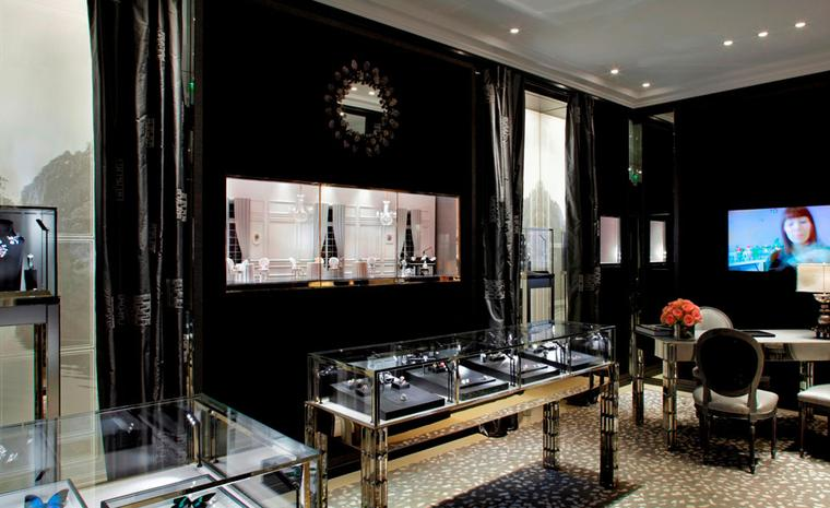 Dior Fine Jewellery Boutique at 8 Place Vendôme  photo: Kristen Pelou