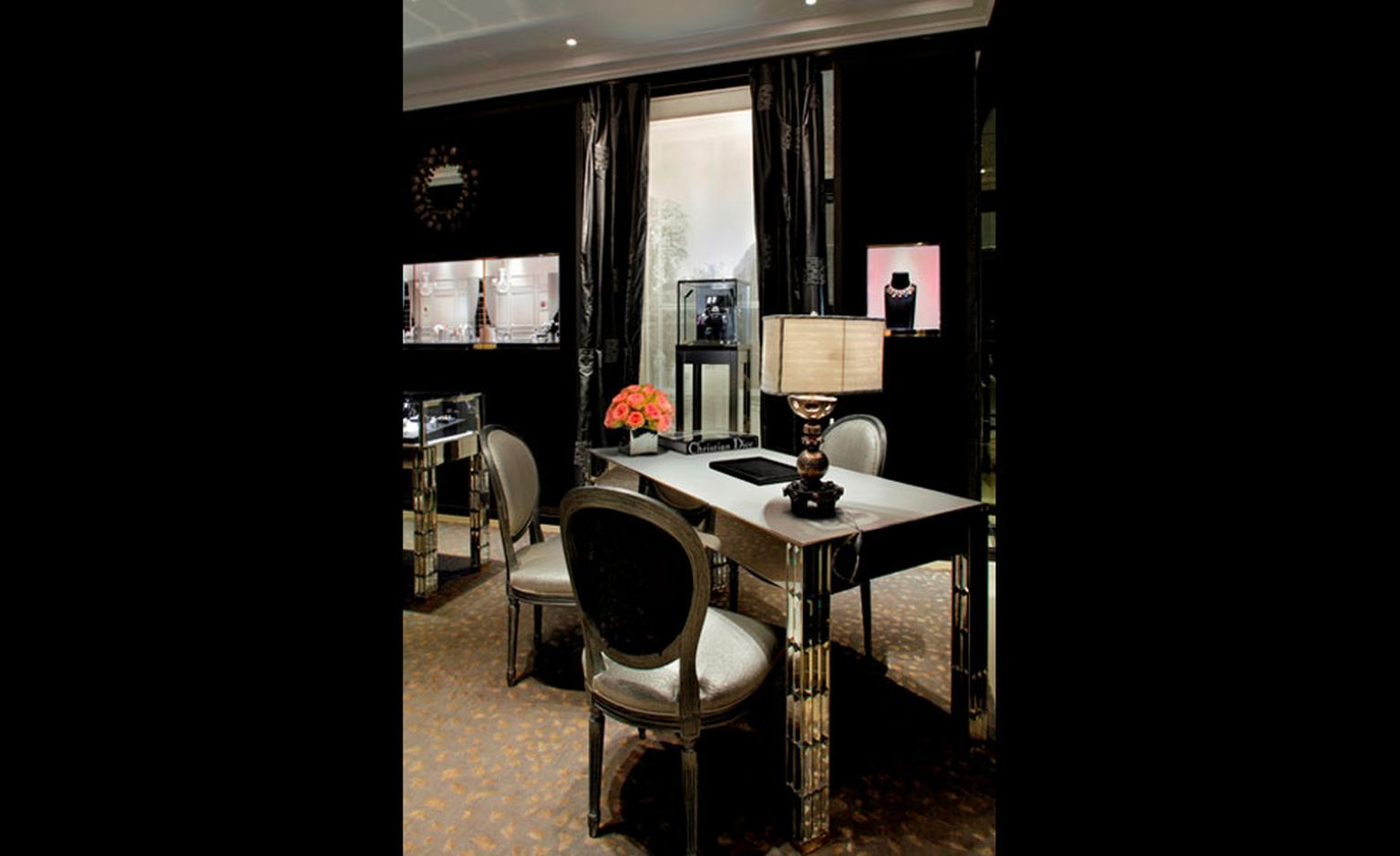 The re-furbished Dior Fine Jewellery Boutique at 8 Place Vendôme  photo: Kristen Pelou