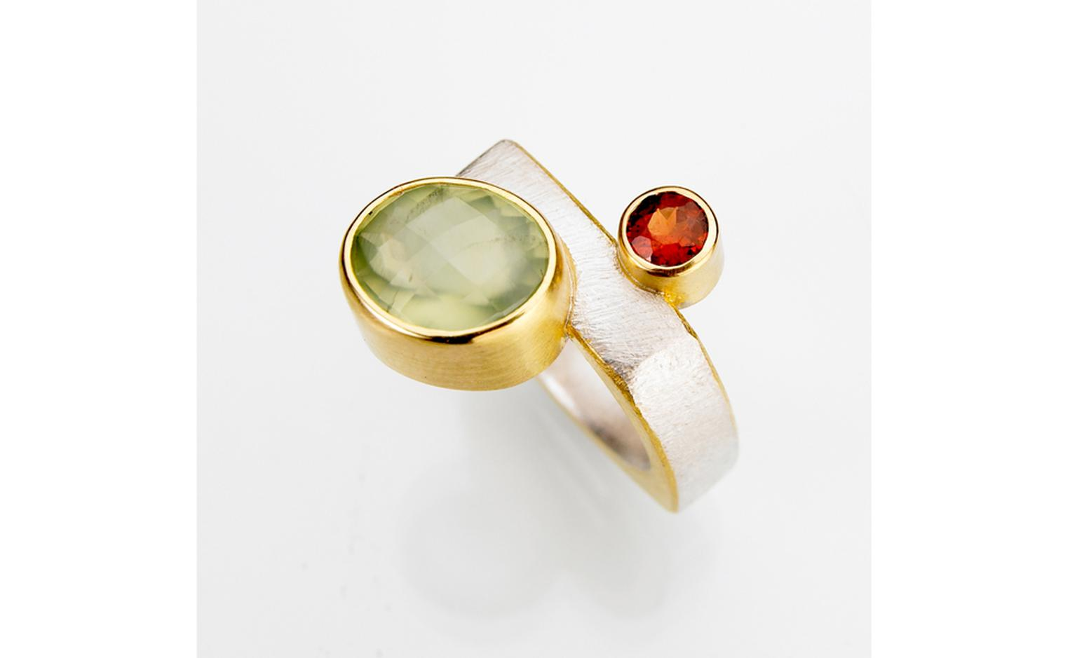 Tanja Ufer Satellite ring