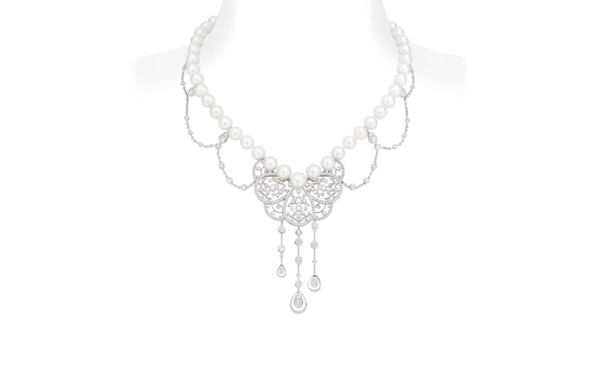 Chanel Secrets D'Orient Camelia Dentelle Necklace in 18 karat white gold, diamonds and cultured pearls. POA