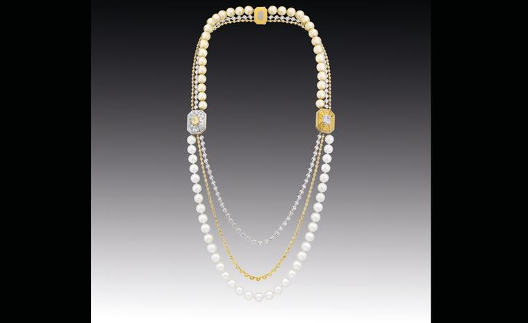 Chanel Contrastes collection: Collier Soleil d'automne. Necklace in white and yellow gold set with yellow and white diamonds with white and gold pearls.