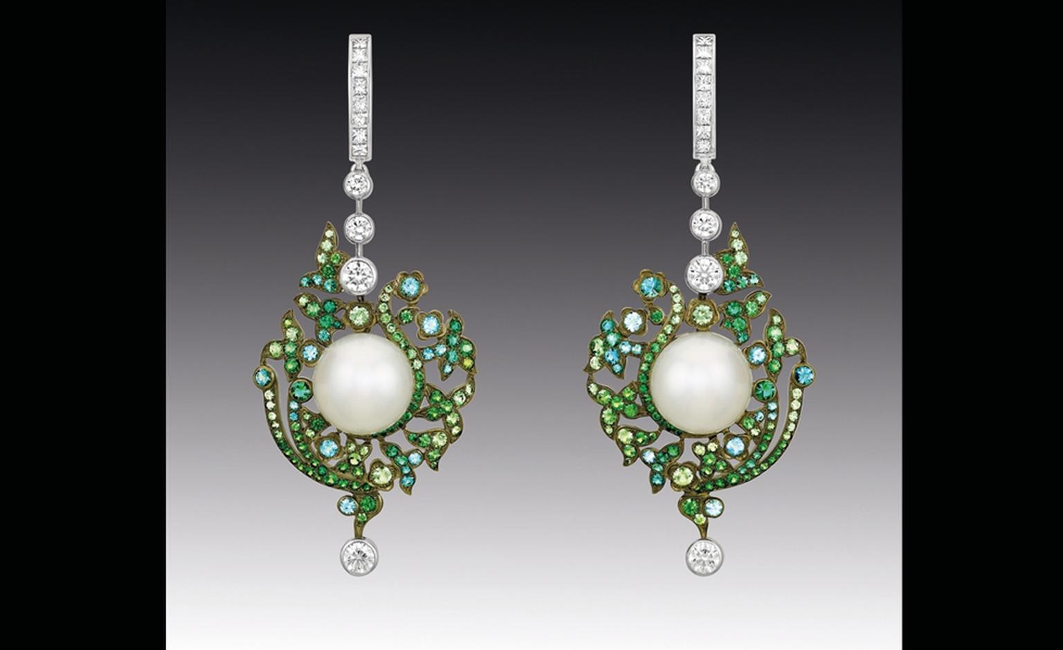Chanel Contrastes collection: Jardin d'Hiver. Earrings in white gold, diamonds, tsavorites, Paraiba tourmaline and white pearls.