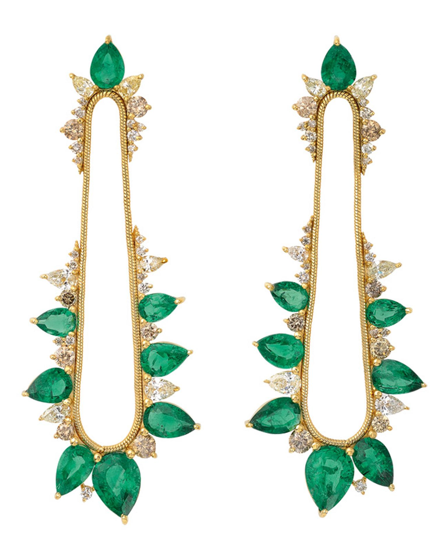 Fernando Jorge for Gemfields emerald earrings_20130905_Main