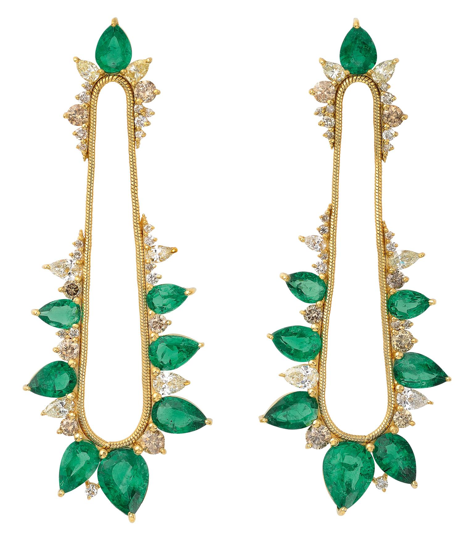 Fernando Jorge for Gemfields emerald earrings_20130905_Zoom